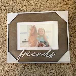NWT Malden Friends Caption Frame